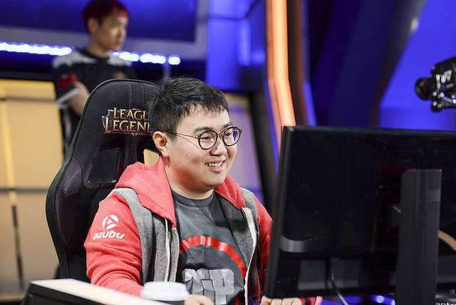 XiaoWeiXiao sera suspendu 7 mois